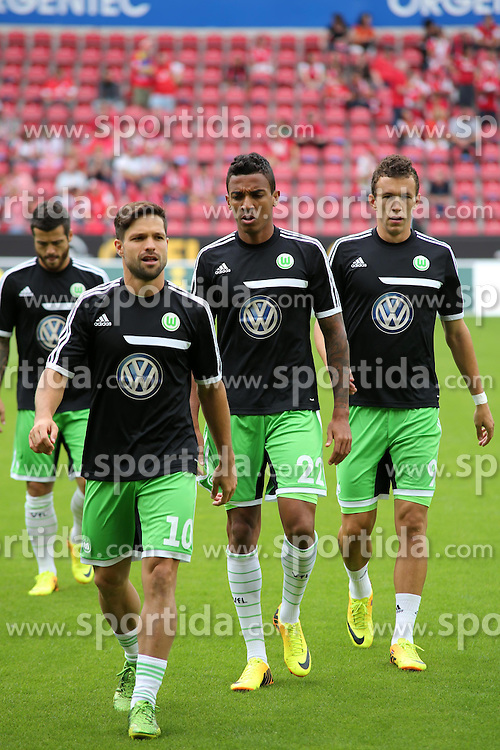 24.08.2013, Coface Arena, Mainz, GER, 1. FBL, 1. FSV Mainz 05 vs VfL Wolfsburg, 3. Runde, im Bild v.l.: Diego, Luis Gustavo und Ivan Perisic (alle VFL) // during the German Bundesliga 3rd round match between 1. FSV Mainz 05 and VfL Wolfsburg at the Coface Arena, Mainz, Germany on 2013/08/24. EXPA Pictures &copy; 2013, PhotoCredit: EXPA/ Eibner/ Matthias Neurohr<br /> <br /> ***** ATTENTION - OUT OF GER *****