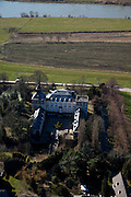 Nederland, Limburg, gemeente Maastricht, 07-03-2010; Borgharen, kerkdorp aan de Maas, met Kasteel Borgharen..The parish Borgharen with the Borgharen Castle.luchtfoto (toeslag), aerial photo (additional fee required).foto/photo Siebe Swart