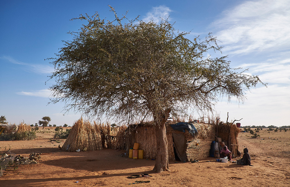 Shelters in a camp of internally displaced people by the side of the road on the highway outside of Diffa, Niger on February 14, 2016. Caritas undertook a distribution of two blankets per family in January, 2016. Most of the displaced people are from the town of Chilori, Niger on the border with Nigeria and fled when the village was attacked by Boko Haram.