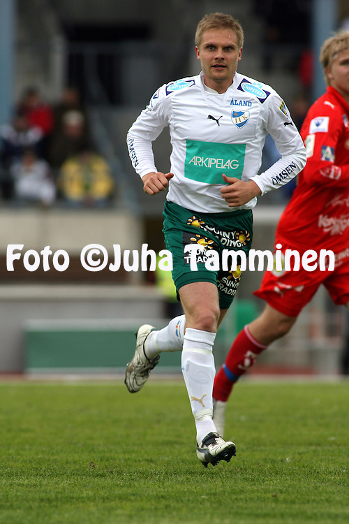 11.05.2008, Pietarsaari, Finland..Veikkausliiga 2008 - Finnish League 2008.FF Jaro - IFK Mariehamn.Mika Niskala - IFK Mhamn.©Juha Tamminen.....ARK:k