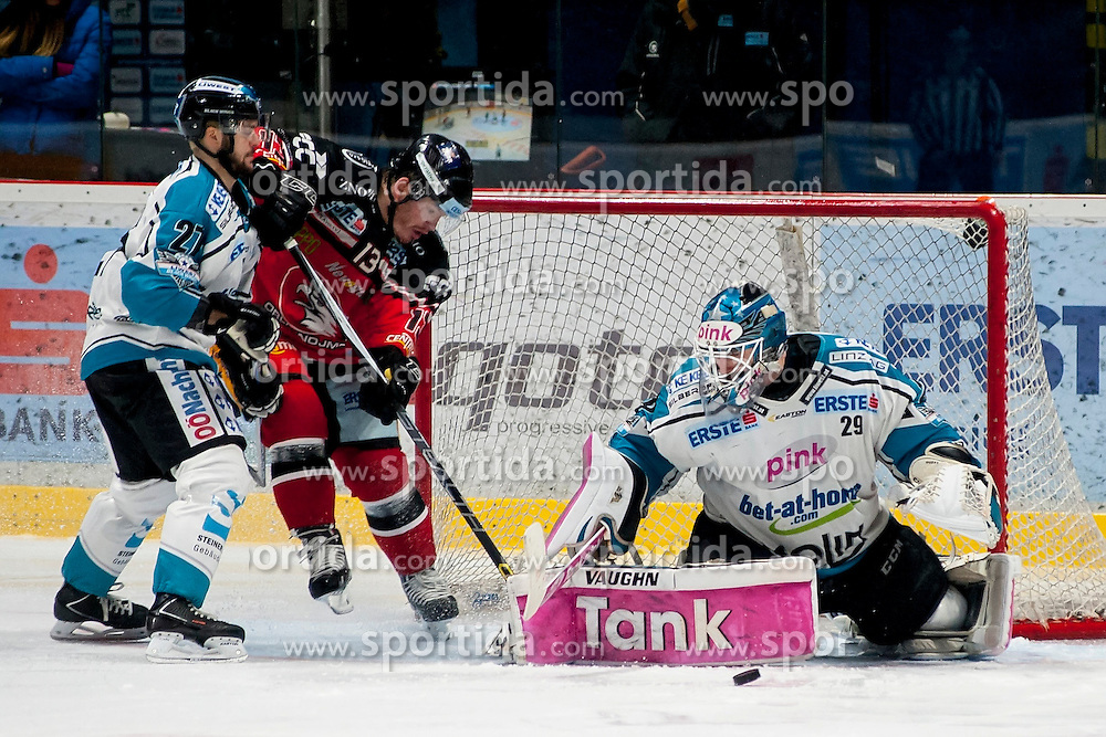 13.03.2016, Ice Rink, Znojmo, CZE, EBEL, HC Orli Znojmo vs EHC Liwest Black Wings Linz, Halbfinale, 1. Spiel, im Bild v.l. Bernhard Fechtig (Linz ), Colton Yellow Horn (HC Orli Znojmo), Michael Ouzas (Linz ) // during the Erste Bank Icehockey League 1st semifinal match between HC Orli Znojmo and EHC Liwest Black Wings Linz at the Ice Rink in Znojmo, Czech Republic on 2016/03/13. EXPA Pictures © 2016, PhotoCredit: EXPA/ Rostislav Pfeffer