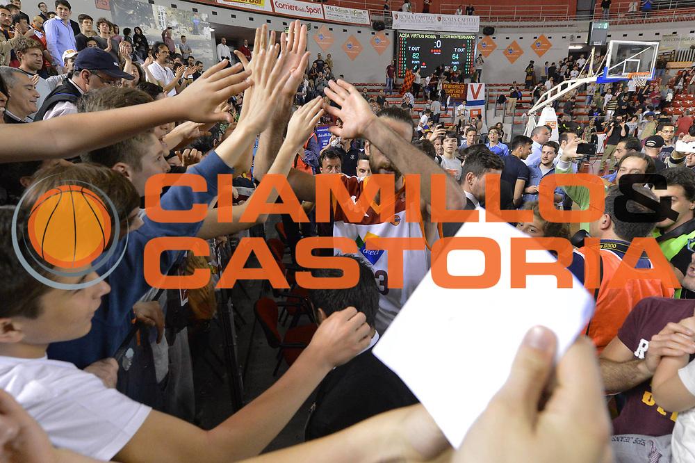 DESCRIZIONE : Roma Lega A 2012-2013 Acea Roma Sutor Montegranaro<br /> GIOCATORE : Luigi Datome<br /> CATEGORIA : pubblico esultanza tifosi <br /> SQUADRA : Acea Roma<br /> EVENTO : Campionato Lega A 2012-2013 <br /> GARA : Acea Roma Sutor Montegranaro<br /> DATA : 05/05/2013<br /> SPORT : Pallacanestro <br /> AUTORE : Agenzia Ciamillo-Castoria/ GiulioCiamillo<br /> Galleria : Lega Basket A 2012-2013  <br /> Fotonotizia : Roma Lega A 2012-2013 Acea Roma Sutor Montegranaro<br /> Predefinita :