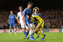 18.09.2013, Stamford Bridge, London, ENG, UEFA Champions League, FC Chelsea vs FC Basel, Gruppe E, im Bild Chelsea's Petr Cech  saves a shot   during UEFA Champions League group E match between FC Chelsea and FC Basel at the Stamford Bridge, London, United Kingdom on 2013/09/18. EXPA Pictures © 2013, PhotoCredit: EXPA/ Mitchell Gunn <br /> <br /> ***** ATTENTION - OUT OF GBR *****