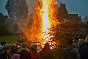 Duitsland, Wyler, 1-4-2018In dit dorp vlak over de grens met nederland bij nijmegen wordt traditiegetrouw een paasvuur ontstoken op eerste paasdag.Foto: Flip Franssen