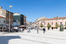 THEMENBILD - Porec ist eine Stadt an der Westkueste von der kroatischen Halbinsel Istrien, im Bild der Platz der Freiheit . Aufgenommen am 12. April 2017 // Porec is a town on the western coast of the Croatian peninsula Istria, This picture shows the Trg Slobode, Porec, Croatia on 2017/04/12. EXPA Pictures © 2017, PhotoCredit: EXPA/ Sebastian Pucher