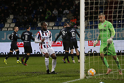 (L-R), Marco Rodrigo Rojas of SC Heerenveen, Mitchell van Bergen of SC Heerenveen, Vurnon Anita of Willem II, Michel Vlap of SC Heerenveen, Ben Rienstra of SC Heerenveen, Timon Wellenreuther of Willem II during the Dutch Eredivisie match between Willem II Tilburg and sc Heerenveen at Koning Willem II stadium on December 08, 2018 in Tilburg, The Netherlands