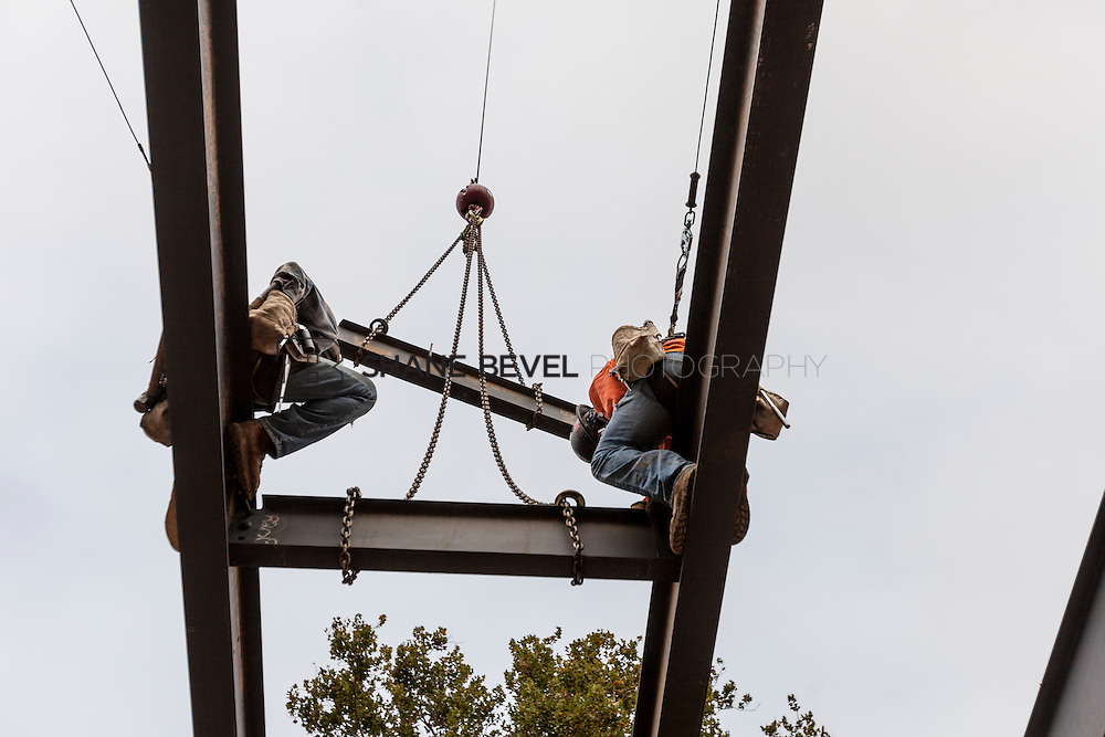 10/7/16 10:03:15 AM -- Steel installation on the Williams Lodge, foundations in the Adventure Playground, Peggy's Pond<br /> <br /> Photo by Shane Bevel