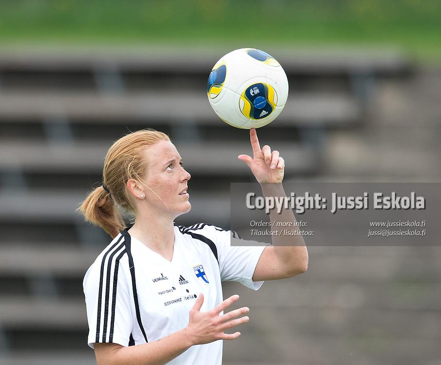 Anna Westerlund, EM-kisapallo. Naisten maajoukkueen harjoitukset. Espoo 30.5.2013. Photo: Jussi Eskola