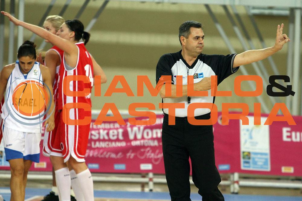 DESCRIZIONE : Lanciano Italy Italia Eurobasket Women 2007 Additional Qualifying Tournament Israel Poland Israele Polonia<br /> GIOCATORE : <br /> SQUADRA : Arbitro Referees<br /> EVENTO : Eurobasket Women 2007 Campionati Europei Donne 2007<br /> GARA : Israel Poland Israele Polonia<br /> DATA : 20/09/2007<br /> CATEGORIA : <br /> SPORT : Pallacanestro <br /> AUTORE : Agenzia Ciamillo-Castoria/E.Castoria <br /> Galleria : Eurobasket Women 2007<br /> Fotonotizia : Lanciano Italy Italia Eurobasket Women 2007 Additional Qualifying Tournament Israel Poland Israele Polonia<br /> Predefinita :