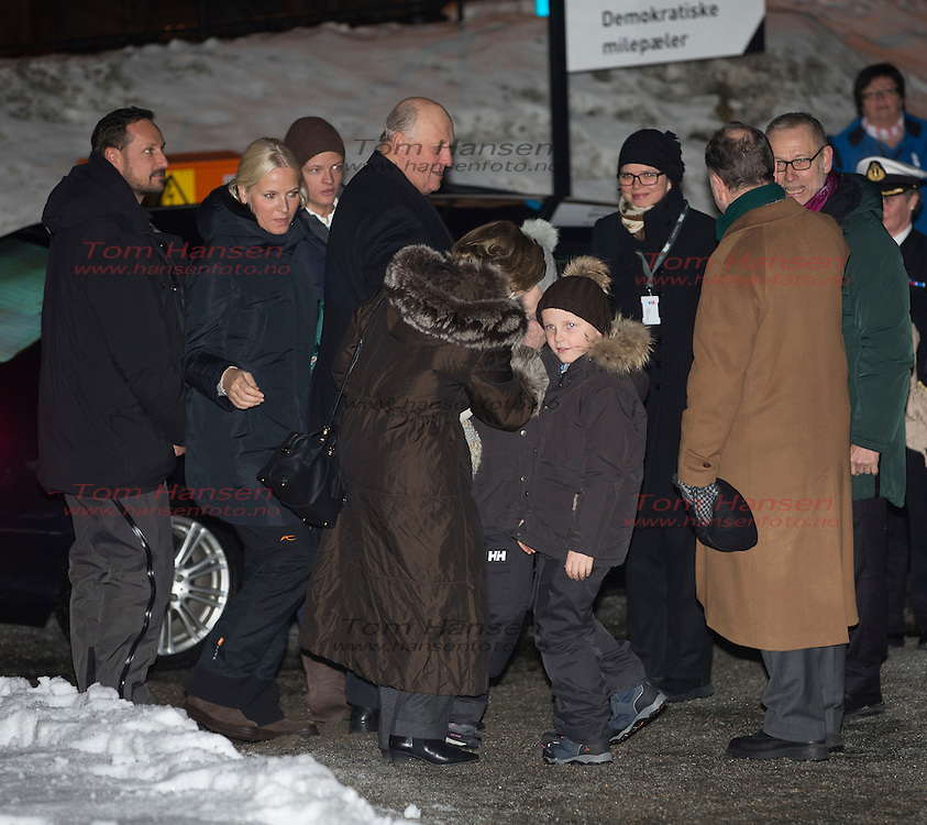 EIDSVOLL,  20140216:  Grunnlovsjubileumssending på NRK fra Eidsvollbygningen i Eidsvoll. Hele kongefamilien var hjertelig tilstede. Bestående av kong Harald, dronning Sonja, kronprins Haakon, kronprinsesse Mette-Marit, prinsesse Ingrid Alexandra og prins Sverre Magnus. .  FOTO: TOM HANSEN