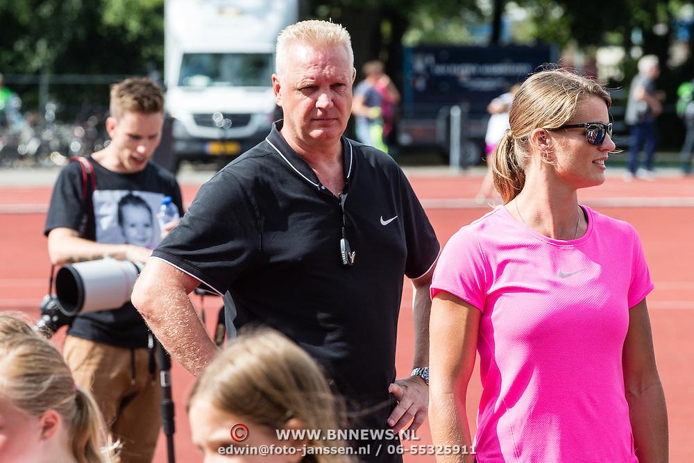 NLD/Utrecht/20160903 - Daphne Schippers geeft een clinic bij haar oude club, Nicky Romero
