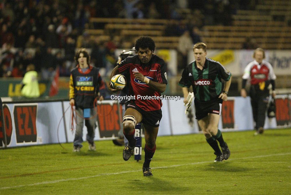 15 May 2004, Super 12 Rugby Union, Semi Final, Crusaders vs Stormers, Jade Stadium, Christchurch, New Zealand.<br />Marika Vunibaka runs towards the try line. Crusaders won 27-16 to go through to the final against the Brumbies.<br />Please Credit: Photosport