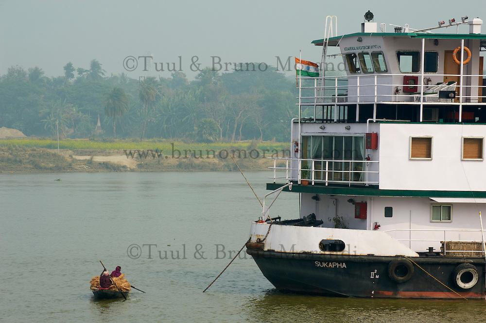 Inde, Bengale-Occidental, le Sukapha sur la riviere Hooghly defluent du Gange // India, West Bengal, Sukapha boat on the Hooghly river, part of Ganges river
