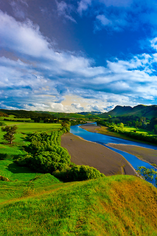 Tuki Tuki Hills (with the Tukituki River and Te Mata Peak in back), near Napier, Hawkes Bay, north island, New Zealand