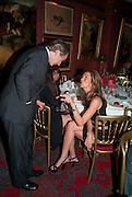 SIMON DE PURY; HEATHER KERZNER, Dinner hosted by Elizabeth Saltzman for Mario Testino and Kate Moss. Mark's Club. London. 5 June 2010. -DO NOT ARCHIVE-© Copyright Photograph by Dafydd Jones. 248 Clapham Rd. London SW9 0PZ. Tel 0207 820 0771. www.dafjones.com.