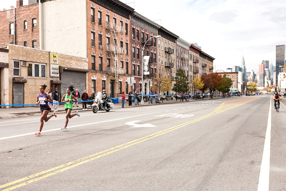 ING New York CIty Marathon: Buzunesh Deba and Tigist Tufa with huge lead near mile 14