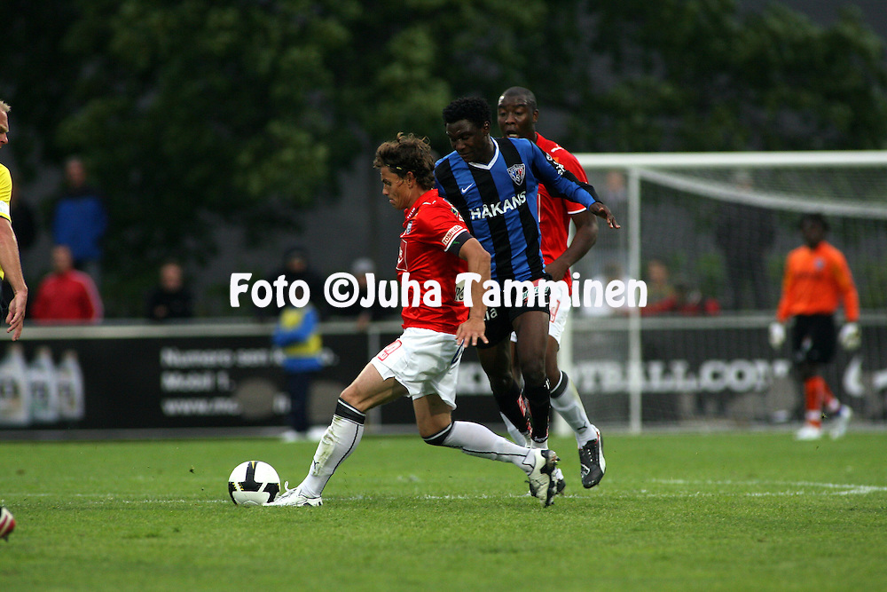 04.08.2008, Veritas stadion, Turku, Finland..Veikkausliiga 2008 - Finnish League 2008.FC Inter Turku - FC TPS Turku.Simo Valakari & Armand One (TPS) v Dominic Chatto (Inter).©Juha Tamminen.....ARK:k
