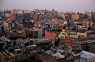 New York. Soho  roofs , with water tanks.  aerial view. view from Soho Grand hotel. New York; Manhattan  Usa , /  vue aerienne sur les toits de Soho couverts de reservoir d  eau