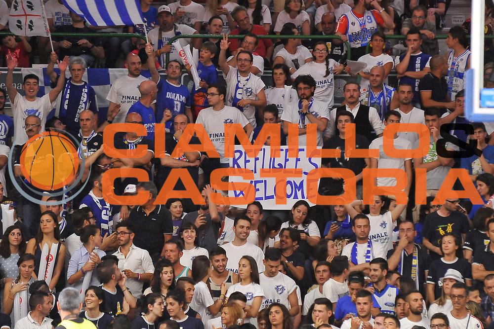 DESCRIZIONE : Campionato 2014/15 Serie A Beko Dinamo Banco di Sardegna Sassari - Grissin Bon Reggio Emilia Finale Playoff Gara4<br /> GIOCATORE : Commando Ultra' Dinamo Refugees<br /> CATEGORIA : Ultras Tifosi Spettatori Pubblico Striscione<br /> SQUADRA : Dinamo Banco di Sardegna Sassari<br /> EVENTO : LegaBasket Serie A Beko 2014/2015<br /> GARA : Dinamo Banco di Sardegna Sassari - Grissin Bon Reggio Emilia Finale Playoff Gara4<br /> DATA : 20/06/2015<br /> SPORT : Pallacanestro <br /> AUTORE : Agenzia Ciamillo-Castoria/C.Atzori