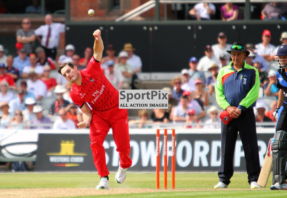 Mitchell McClenaghan bowling for Lancashire, Lancashire Lightning vs Durham Dynamos, Emirates Old Trafford, Friends Life t20, 14.07.2013 (c) Thomas Miller | SportPix.org.uk
