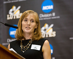 Kelly Edgerton Richards '91, speaks at the PLU Sports Hall of Fame banquet on Friday, Oct. 3, 2014. (PLU Photo/John Froschauer)