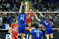 08.01.2016, Max Schmeling Halle, Berlin, GER, CEV Olympia Qualifikation, Frankreich vs Bulgarien, im Bild Angriff vn Todor Skrimov gegen den franzoesischen Blocko // during 2016 CEV Volleyball European Olympic Qualification Match between France and Bulgaria at the  Max Schmeling Halle in Berlin, Germany on 2016/01/08. EXPA Pictures © 2016, PhotoCredit: EXPA/ Eibner-Pressefoto/ Wuechner<br /> <br /> *****ATTENTION - OUT of GER*****