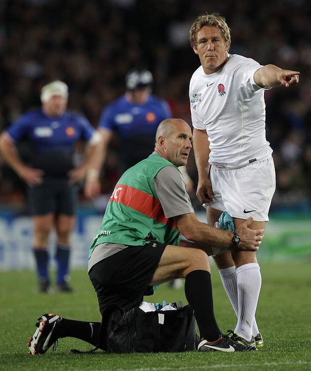 England's Jonny Wilkinson gives directions as he receives medical attention whilst playing against France during quarter-final 2 match of the Rugby World Cup 2011, Eden Park, Auckland, New Zealand, Saturday, October 08, 2011.  Credit:SNPA / David Rowland