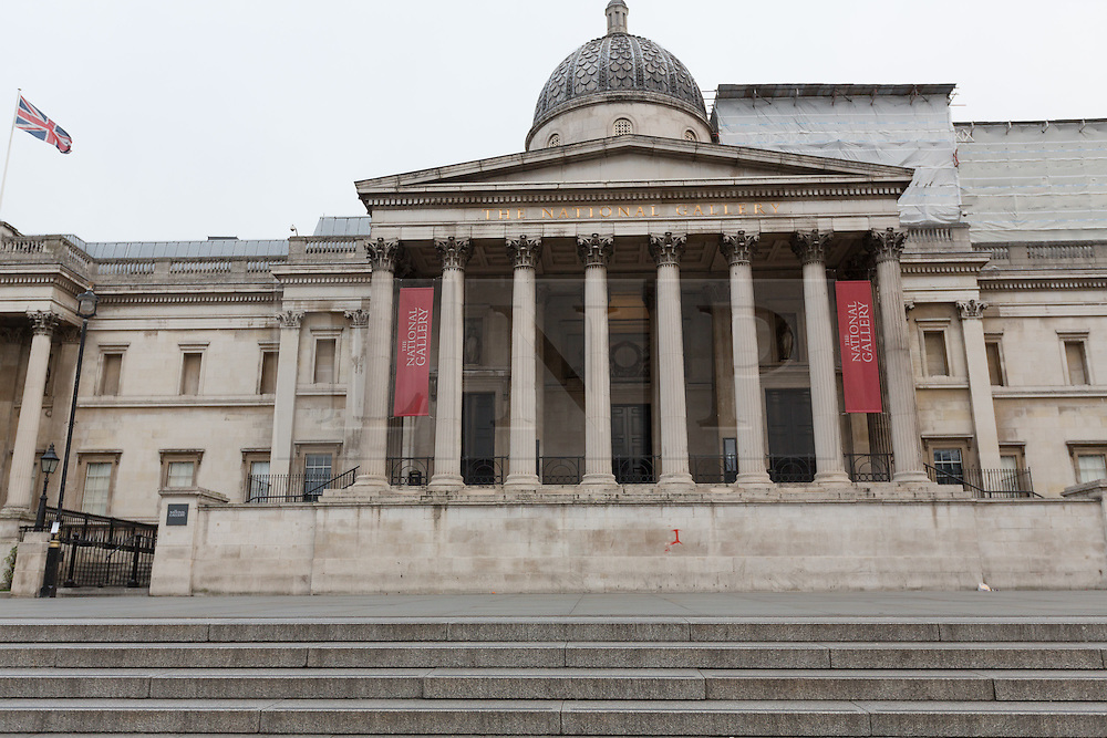 © Licensed to London News Pictures. 25/12/2016. National Gallery on Christmas Day. Christmas Day morning saw the West End of London's streets almost completely emptied of people. Credit : Rob Powell/LNP