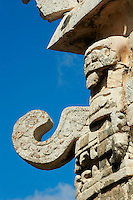 Mexique, Etat du Yucatan, site archeologique de Chichen Itza, Patrimoine Mondial UNESCO, eglise, masque du Dieu de la pluie Chac Mool, anciennes ruines maya // Mexico, Yucatan state, Chichen Itza archeological site, World heritage of UNESCO, the church, mask of Chac Mool, the god of the rain, ancient mayan ruins