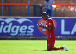 LONDON, ENGLAND - Saturday, September 29, 2018: Liverpool's Rafael Camacho kneels to pray as he celebrates scoring the first goal during the Under-23 FA Premier League 2 Division 1 match between Chelsea FC and Liverpool FC at The Recreation Ground. (Pic by David Rawcliffe/Propaganda)