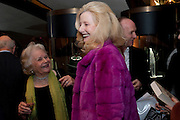 MRS. PAUL JOHNSON; LADY WEIDENFELD, Santa Sebag Montefiore and Asprey's host a book launch for Jerusalem: the Biography by Simon Sebag Montefiore. Asprey. New Bond St. London. 26 January 2010. -DO NOT ARCHIVE-© Copyright Photograph by Dafydd Jones. 248 Clapham Rd. London SW9 0PZ. Tel 0207 820 0771. www.dafjones.com.
