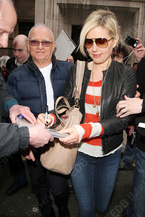 13.APRIL.2013. LONDON<br /> <br /> DIDO LEAVING BBC RADIO TWO IN LONDON.<br /> <br /> BYLINE: EDBIMAGEARCHIVE.CO.UK<br /> <br /> *THIS IMAGE IS STRICTLY FOR UK NEWSPAPERS AND MAGAZINES ONLY*<br /> *FOR WORLD WIDE SALES AND WEB USE PLEASE CONTACT EDBIMAGEARCHIVE - 0208 954 5968*