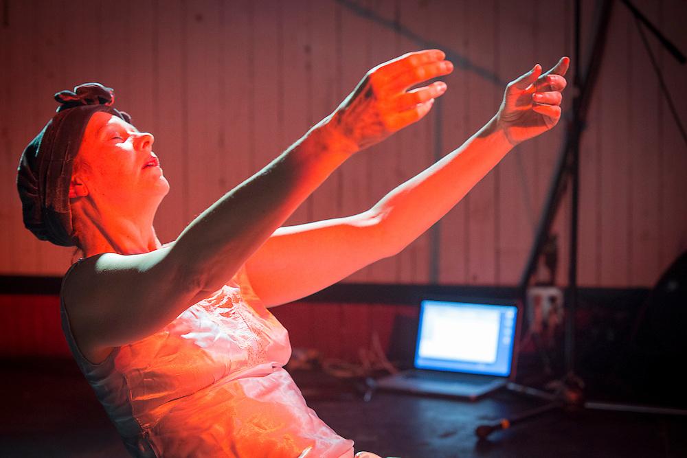 LES CORPS CONDUCTEURS : JACQUELINE VAN DE GEER, LA SOMNAMBULE à laCasa del Popolo le Jeudi 25 octobre 2012