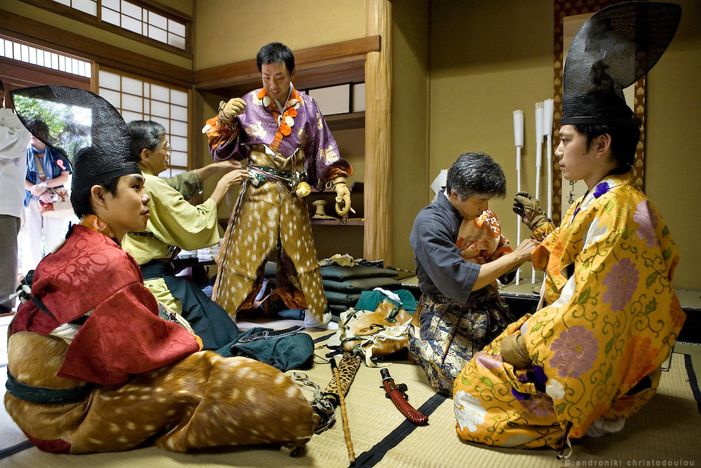 Kiyomoto Ogasawara (R) and other archers getting ready before taking part in Yabusame (horse-riding archery shinto ritual), on the 3rd day of the 3-day anual festival of Tsurugaoka Hachimangu shrine in Kamakura.