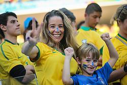 Danielle Winits na Torcida Brasileira na partida contra a Croácia na estréia da Copa do Mundo 2014, na Arena Corinthians, em São Paulo. FOTO: Jefferson Bernardes/ Agência Preview