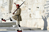 Temaserie<br /> OL Athen 2004<br /> Foto: Digitalsport<br /> Norway Only<br /> <br /> GUARD OF HONOUR / MONUMENT OF THE UNKNOWN SOLDIER / ATHENS