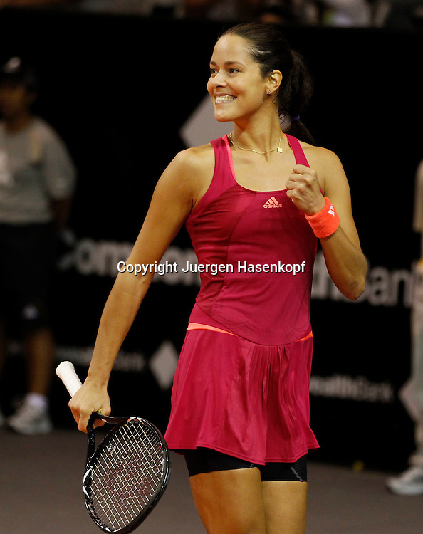 Commonwealth Bank Tournament of Champions  2011, WTA Tour, Damen Hallen Tennis Turnier in Bali ,Indonesien,.Ana Ivanovic (SRB) macht die Faust und jubelt,Jubel,Freude,laechelt,.Emotion,Einzelbild,Hochformat,Halbkoerper,