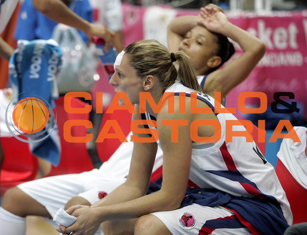 DESCRIZIONE : Chieti Italy Italia Eurobasket Women 2007 Francia Lituania France Lithuania <br /> GIOCATORE : Audrey Sauret Gillespie Edwige Lawson Wade<br /> SQUADRA : Francia France<br /> EVENTO : Eurobasket Women 2007 Campionati Europei Donne 2007 <br /> GARA : Francia Lituania France Lithuania<br /> DATA : 06/10/2007 <br /> CATEGORIA : delusione<br /> SPORT : Pallacanestro <br /> AUTORE : Agenzia Ciamillo-Castoria/H.Bellenger<br /> Galleria : Eurobasket Women 2007 <br /> Fotonotizia : Chieti Italy Italia Eurobasket Women 2007 Francia Lituania France Lithuania<br /> Predefinita :