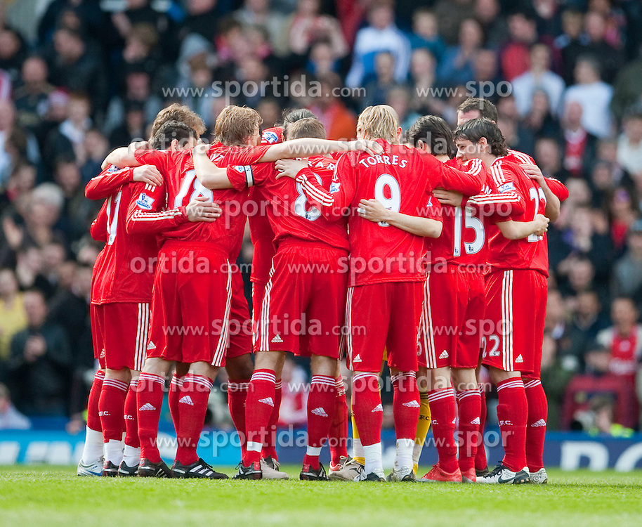 04.04.2010, St Andrew, Birmingham, ENG, PL, Birmingham City vs Liverpool FC, im Bild Liverpool players, EXPA Pictures © 2010, PhotoCredit: EXPA/ Propaganda/ D. Rawcliffe / SPORTIDA PHOTO AGENCY