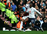 Photo: Tom Dulat/Sportsbeat Images.<br /> <br /> West Ham United v Tottenham Hotspur. The FA Barclays Premiership. 25/11/2007.<br /> <br /> Danny Gabbidon of West Ham United and Darren Bent of Tottenham Hotspur with the ball.
