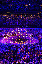 27.07.2012, Olympia Park, London, GBR, Olympia 2012, Eroeffungsfeier, im Bild das Olympische Feuer brennt // the Olympic flame during opening ceremony at the 2012 Summer Olympics at Olympic Park London, United Kingdom on 2012/07/27. EXPA Pictures © 2012, PhotoCredit: EXPA/ Johann Groder