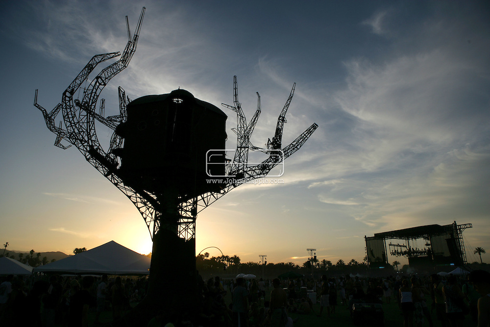 27th April 2008, Coachella, California. The Coachella Music festival.PHOTO © JOHN CHAPPLE / REBEL IMAGES