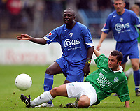 Fotball<br /> Tyskland 2004/05<br /> Treningskamp<br /> FC Gütersloh v Bochum<br /> 14. juli 2004<br /> Foto: Digitalsport<br /> NORWAY ONLY<br /> Momo DIABANG , Ilker SIVILOGLU Gütersloh