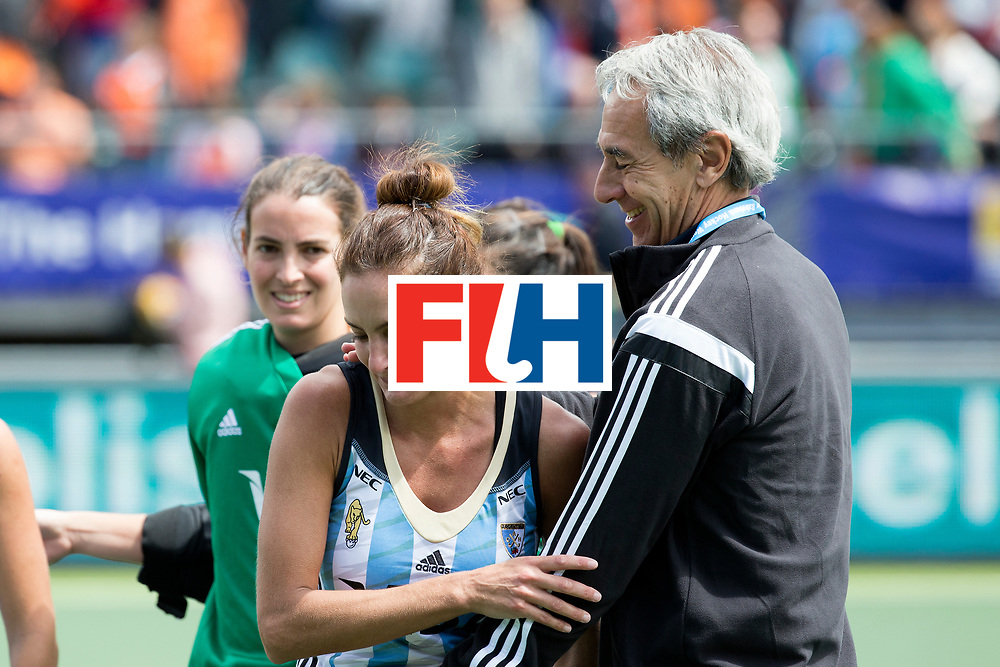 THE HAGUE - Rabobank Hockey World Cup 2014 - 14-06-2014 - 3/4 Place - WOMEN -  ARGENTINA - USA  - Assistent coach Santiago Capurro.<br /> Copyright: Willem Vernes