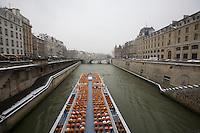 Paris in the snow, Jan 2013 - Notre Dame