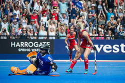 Sophie Bray. England v The Netherlands, Lee Valley Hockey and Tennis Centre, London, England on 11 June 2017. Photo: Simon Parker