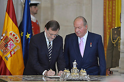 18.06.2014, Royal Palace, Madrid, ESP, Abdankung König Juan Carlos, Unterzeihnung der Abdankungspapiere, im Bild King Juan Carlos of Spain and the President of the Government of Spain Mariano Rajoy // during the official abdication ceremony at the Royal Palace in Madrid, Spain on 2014/06/18. EXPA Pictures © 2014, PhotoCredit: EXPA/ Alterphotos/ Pool<br /> <br /> *****ATTENTION - OUT of ESP, SUI*****