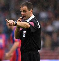 Photo: Daniel Hambury.<br />Crystal Palace v Leeds United. Coca Cola Championship. 13/08/2006.<br />Referee Rob Styles.