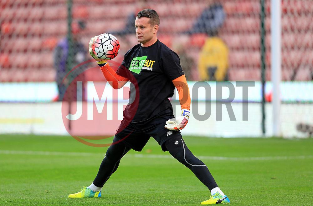 Shay Given of Stoke City warms up - Mandatory by-line: Matt McNulty/JMP - 18/04/2016 - FOOTBALL - Britannia Stadium - Stoke, England - Stoke City v Tottenham Hotspur - Barclays Premier League