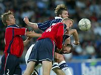 Fotball<br /> Landskamp Ullevaal Stadion 20.08.2003<br /> Norge v Skottland<br /> Steven Pressley - Hearts<br /> Brede Hangeland - Viking<br /> Foto: Morten Olsen, Digitalsport